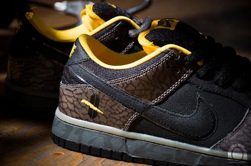 NikeSBDunkLowYellowCurb4