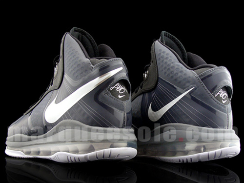 Nike LeBron VIII V2 - Black - Grey - Neon