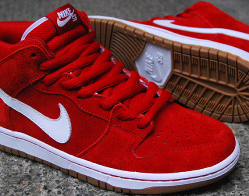 nike sb mid red gum sole