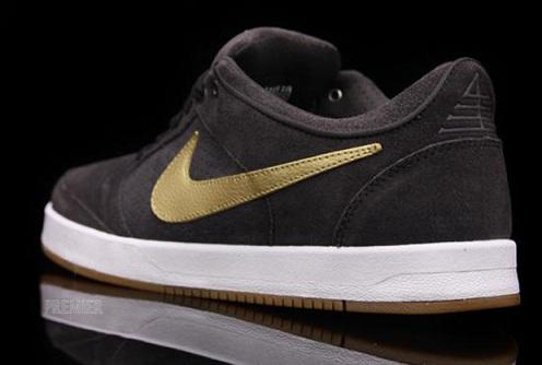 NikeSBZoomPRod4TarMetallicGold3