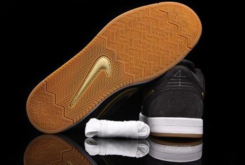 NikeSBZoomPRod4TarMetallicGold4