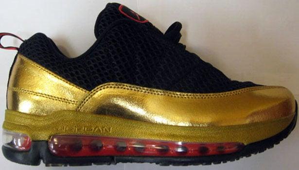 Women's Jordan CMFT Max Air 12 - Black/Crimson-Metallic Gold