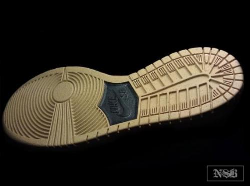 Nike-SB-Dunk-High-Pro-Green-Gold-Fall-2011-03