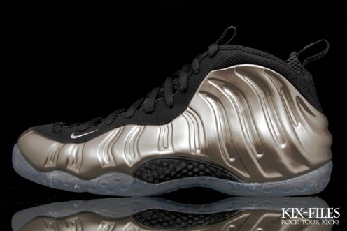 "Nike Air Foamposite One LE ""Metallic Pewter"" Available Early"