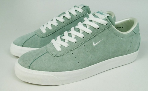 Nike Zoom Match Classic - Dusty Sage/Summit White