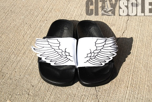 adidas Originals x Jeremy Scott Wings Adilette Sandals