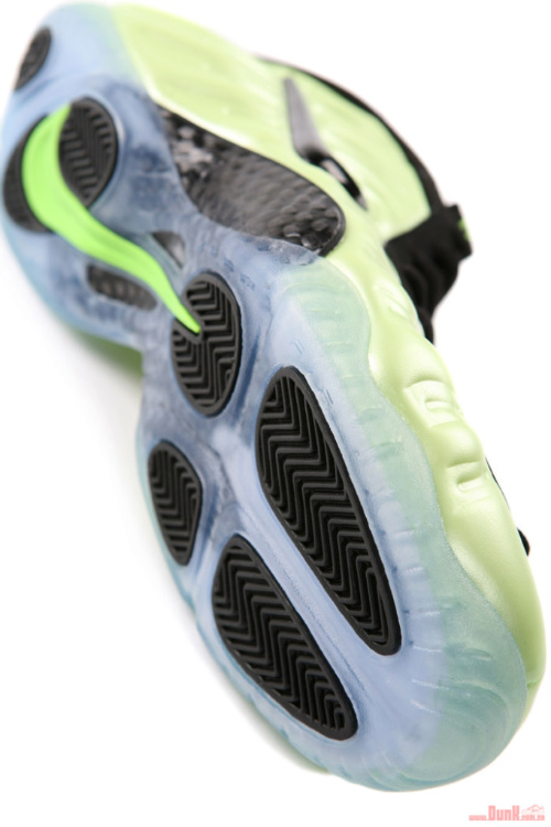 Nike-Air-Foamposite-Pro-'Electric-Green'-Detailed-Images-04