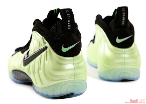 Nike-Air-Foamposite-Pro-'Electric-Green'-Detailed-Images-03