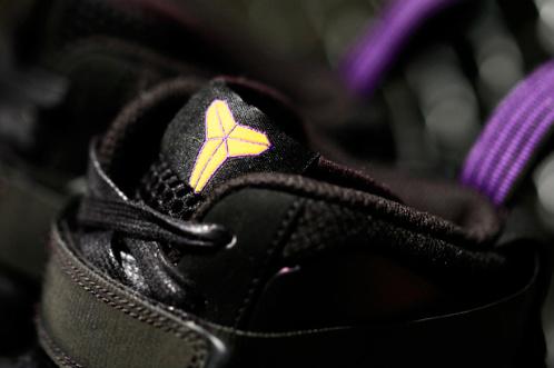 Kobe-Bryant-x-Nike-Air-Force-1-Foamposite-'Eggplant'-03