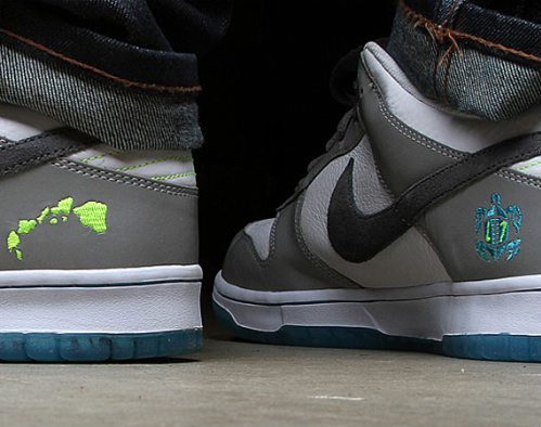 Nike-Dunk-Low-'2011-Pro-Bowl'-01