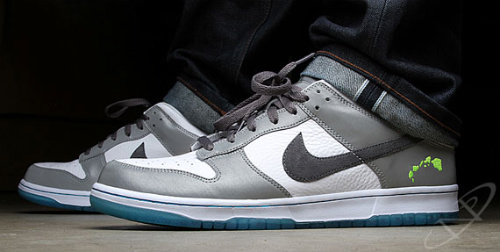 Nike-Dunk-Low-'2011-Pro-Bowl'-02