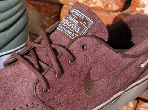 Nike-SB-Zoom-Stefan-Janoski-Low-&-Mid-Fall-2011-01