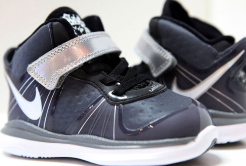 Nike-LeBron-VIII-(8)-V/2-'Cool-Grey'-Toddler-03