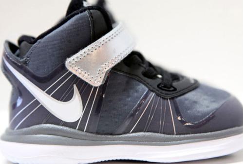 Nike-LeBron-VIII-(8)-V/2-'Cool-Grey'-Toddler-02