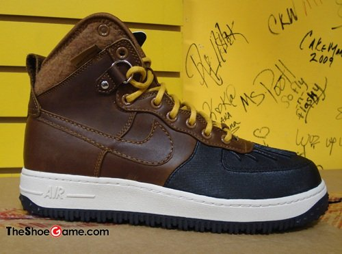 Nike Air Force 1 Duck Boot - Brown