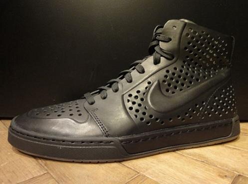 Aburrido Malentendido Comportamiento  Nike Air Royal Mid Lite VT | SneakerFiles