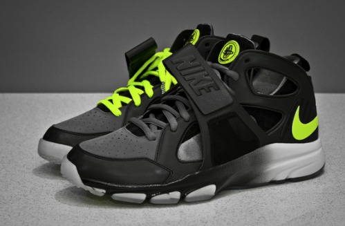Nike-Zoom-Huarache-Trainer-Cool Grey/Volt-03