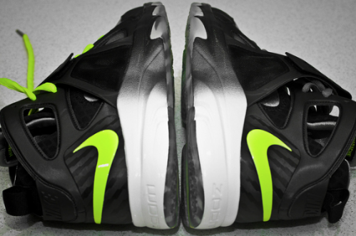 Nike-Zoom-Huarache-Trainer-Cool Grey/Volt-04