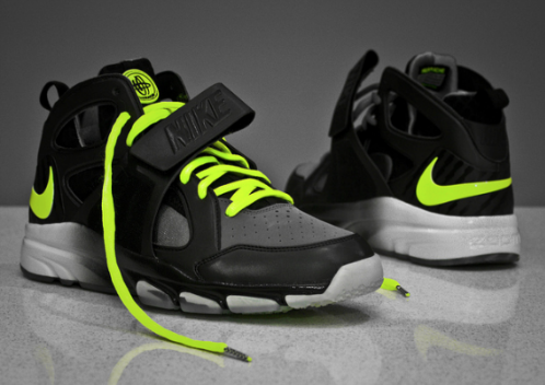 Nike-Zoom-Huarache-Trainer-Cool Grey/Volt-01