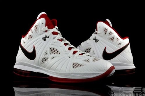 Nike-LeBron-8-P.S.-'Home'-New-Images-