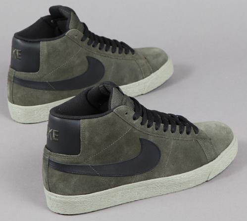 Nike-SB-Blazer-Mid-Bog-Green-Black-02