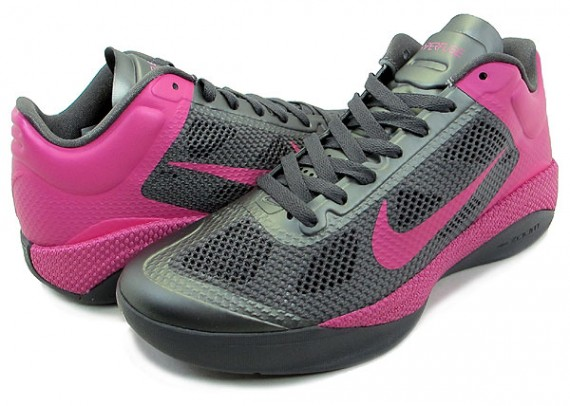 Nike-WMNS-Zoom-Hyperfuse-Low-'Think-Pink'-02
