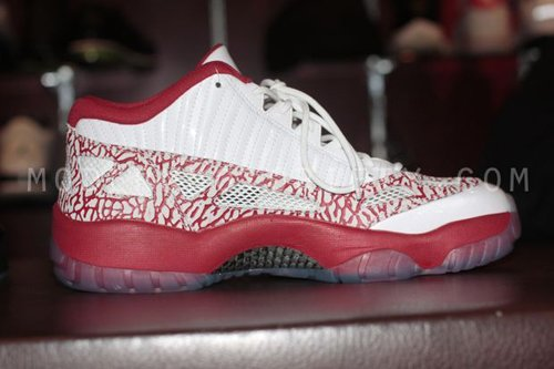 Air Jordan XI (11) Low IE - White/Varsity Red