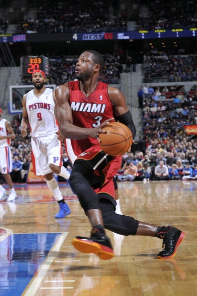 "Dwyane Wade Debuts the Air Jordan 2011 ""Away"" Wade PE"