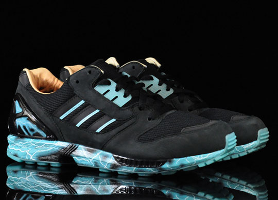 Star Wars x adidas Originals ZX 8000 Emperor