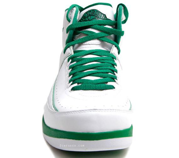 Air-Jordan-II-(2)-Retro-Ray-Allen-'Celtics-Home'-PE-03