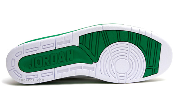 Air-Jordan-II-(2)-Retro-Ray-Allen-'Celtics-Home'-PE-05