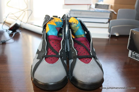 Air-Jordan-VII-(7)-'Bordeaux'-Original-Pair-Available-02
