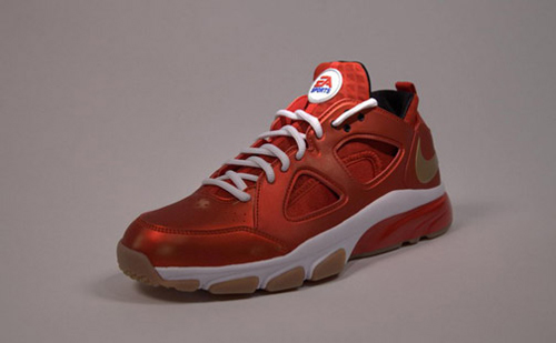 EA-Sports-x-Nike-Huarache-Trainer-Low-'Fight-Night-Champion'-02