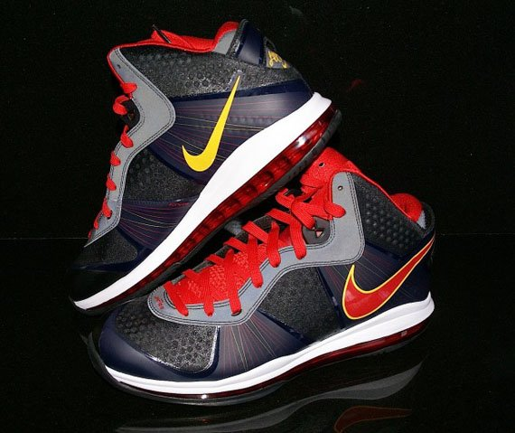 Nike-LeBron-8-V.2-'Miami-Heat-Away'-PE-03