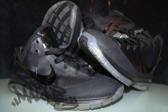 Nike-LeBron-VII-(7)-P.S.-Black-Wear-Test-Sample-02