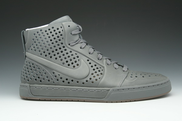 the latest c8308 e7343 air royal mid nike white