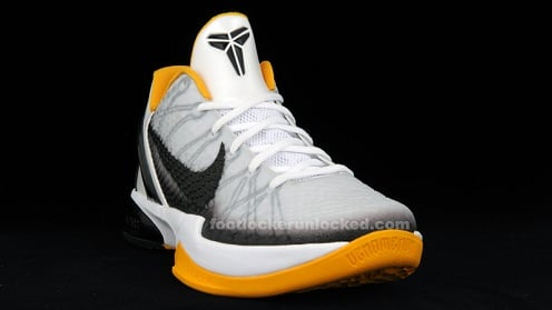 Nike Zoom Kobe VI White/Black-Del Sol - New Images