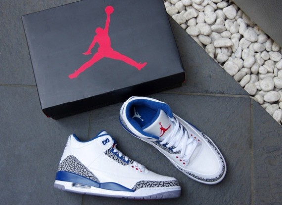 Air-Jordan-III-(3)-Retro-'True-Blue'-2011-New-Images-01