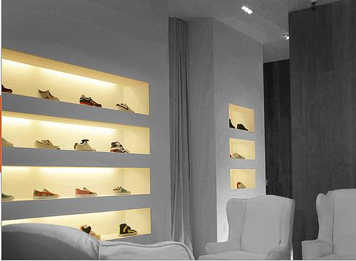 Arrive Sneaker Store