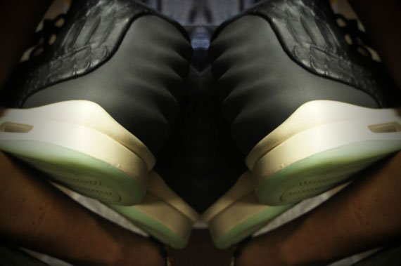 Nike-Air-Yeezy-2-New-Images-01