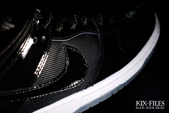 Nike-SB-Dunk-Low-'Space-Jam'-New-Images-03
