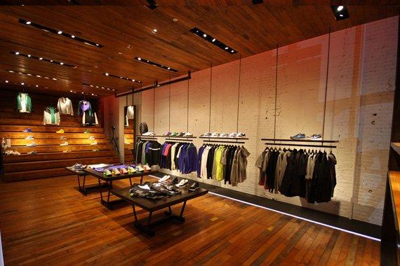 Nike Sportswear NYC 21 Mercer Sneaker Store