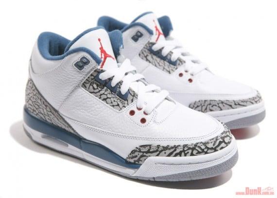 Air-Jordan-III-(3)-Retro-GS-'True-Blue'-Detailed-Look-03