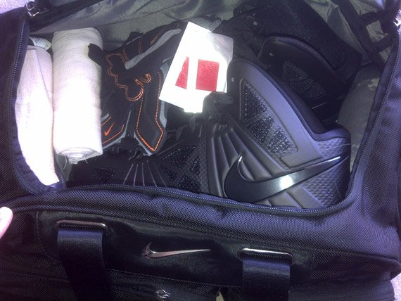 "Nike Lebron 8 PS ""Blackout"" - Sneak Peek"