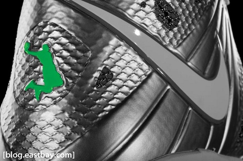 "Release Reminder: Nike Lebron 8 PS ""Dunkman"""