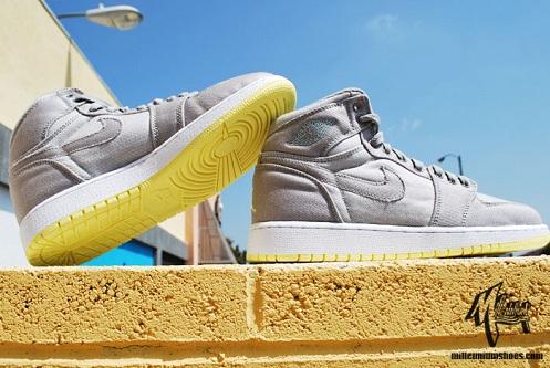Women's Air Jordan Retro I (1) - Medium Grey/Lemon Frost-White