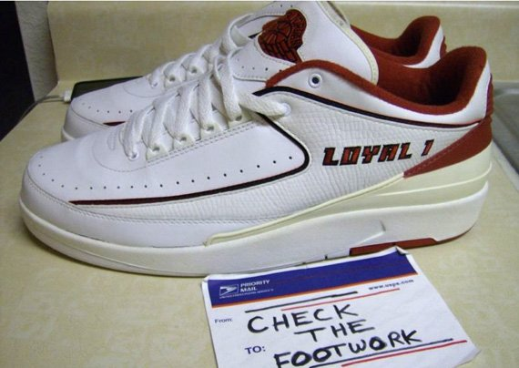 Air-Jordan-II-(2)-Low-Derek-Anderson-'Loyal-1'-PE-02