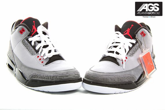 Air-Jordan-III-(3)-Retro-'Stealth'-New-Images-04