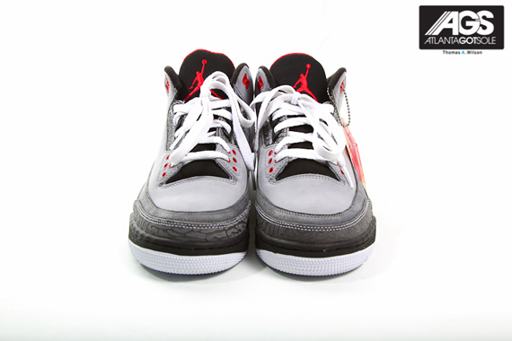 Air-Jordan-III-(3)-Retro-'Stealth'-New-Images-03