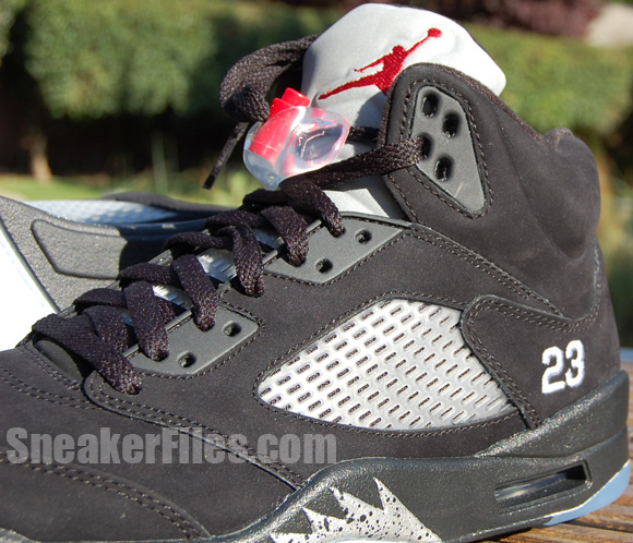 premium selection 12715 eb642 Air Jordan 5 Retro Black/Metallic Silver 2011 Detailed Look ...